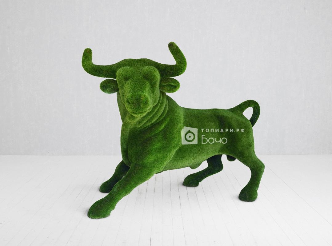 Ландшафтная фигура бык коррида