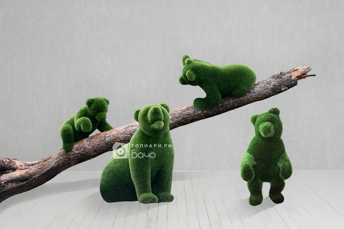Ландшафтная фигура медведи в лесу