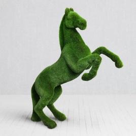 Ландшафтная фигура Конь на дыбах