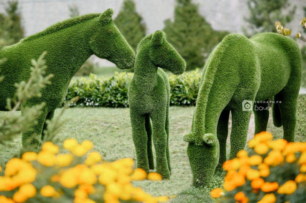 садовая фигура жеребенок