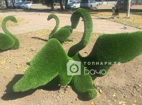 садовая фигура лебедь