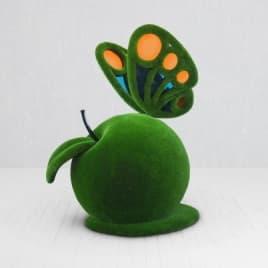 Топиари бабочка на шаре