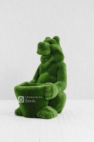 Топиарная фигура Медведь с корзиной 2
